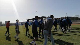 Hiko baba - İdmanı Bastı futbolculara saldırdı 😂
