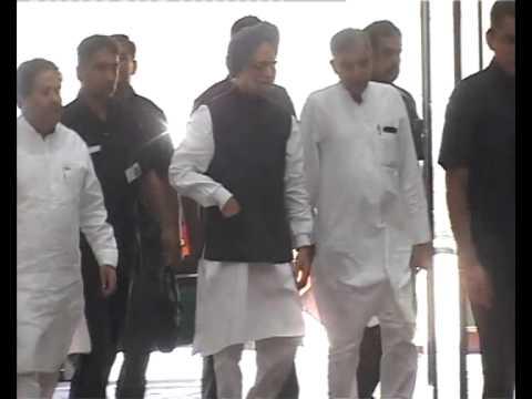 FOLLOW ME: Manmohan Singh