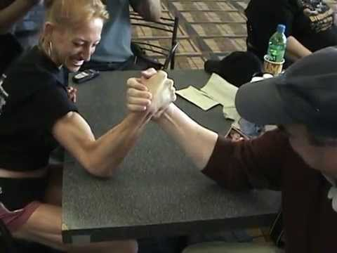 Kelly vs Tom Mixed ArmWrestling
