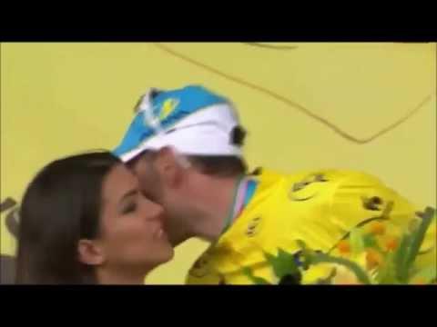 Vincenzo Nibali left red faced after podium 'kiss' gaffe   Tour de France
