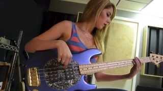 Anna Sentina - Funky Motown Basslines