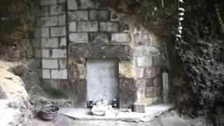 尚巴志王・尚忠王・尚思達王の墓
