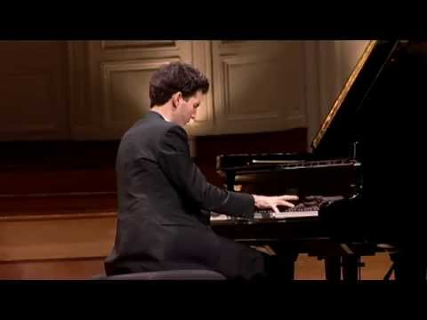 Emmanuel Despax plays Mussorgsky Pictures at an Exhibition