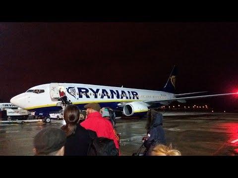 Ryanair Boeing 737-8AS Manchester to Dublin   Full Flight in Storm Eleanor