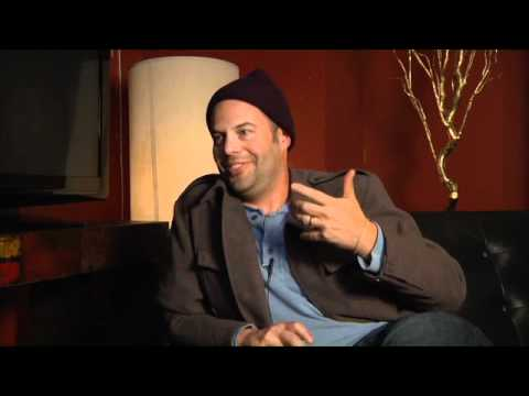 Director Jacob Aaron Estes discusses 'The Details' fragman