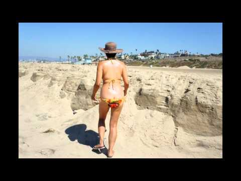 Bikini Czar with her Frisbee in 1700 plus pictures