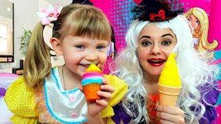 Тася и мама играет в магазин мороженого / Ice cream