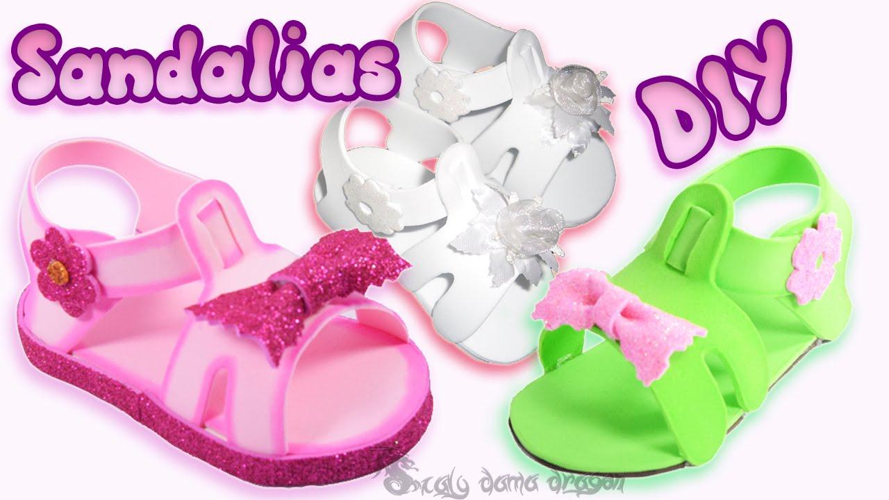 Sandalias de foamy o goma eva souvenir baby shower - Ideas para decorar zapatos de nina ...