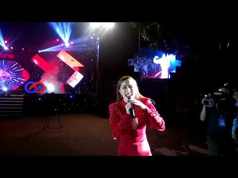 BẢO THY - GIVE ME YOUR LOVE live FANCAM