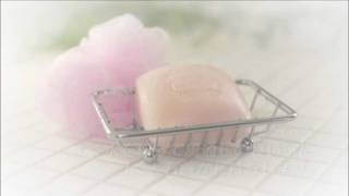 Repeat youtube video 【SILK LABO】SILKY BODY SOAP【HOW TO USE】