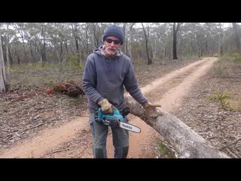 Makita battery chain saw . incredible