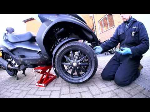 SLUK | Piaggio MP3 steering bearing check