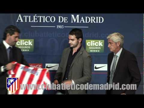Presentación de Adrián como nuevo jugador del Atlético de Madrid