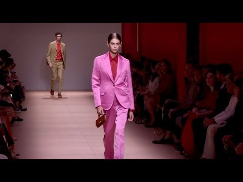 Kaia Gerber, Carolyn Murphy and more on the runway for the Salvatore Ferragamo Fashion Show