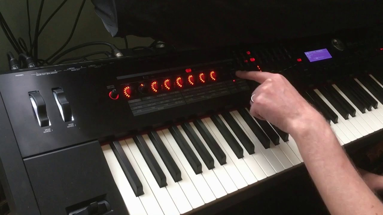 Roland RD2000 tutorial layering sounds and fx for worship style