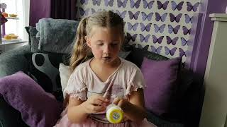 Bo Bo opens her first Pikmi Pop Surprise!