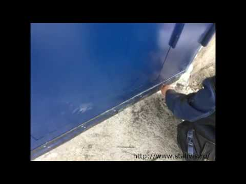 Металлические распашные гаражные ворота с калиткой