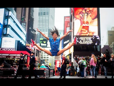 10 Minute Photo Challenge Takes Over Times Square