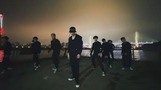 LAY '莲 (Lit)' Dance Practice