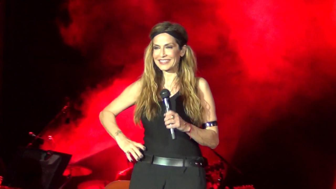 Άννα Βίσση - Ρομπότ, Άννα Με Πάθος Tour, Λεμεσός (27/07/2013)