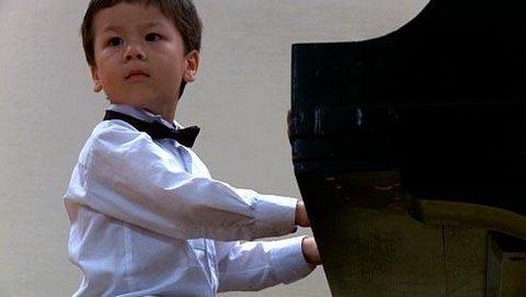 3-year Old Piano Prodigy Richard Hoffmann