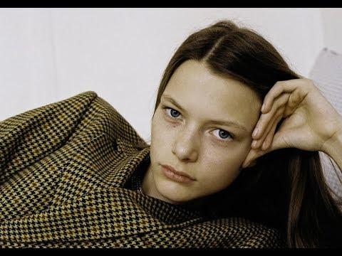 LOUISE ROBERT Model 2018 - Fashion Channel