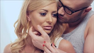 Repeat youtube video Delia - Doi in unu ft Mihai Bendeac (Official Video)