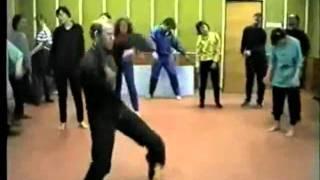 Танец секты под Дабстеп(Смотри другие смешные дабстеп видео: http://vkontakte.ru/dubstepvideo http://twitter.com/dubstepvideo http://youtube.com/DubstepVideoOfficial., 2011-11-18T23:19:28.000Z)