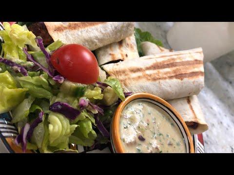 tortilla-poulet-avocat-et-sauce-yaourt-(-لفائف-التورتيلا-بالدجاج-و-الأفوكادو-و-صلصة-الزبادي-)