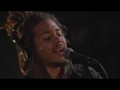 Kweku Collins - Lonely Lullabies (Live on KEXP)