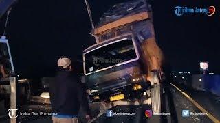 Bus Laju Prima VS Truk Tronton di Tol Batang Pemalang