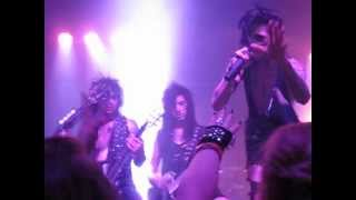 Black Veil Brides - God Bless You live (Andy's hair flip in Ashley's face)