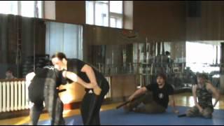 видео Ножевой бой с точки зрения фехтовальщика