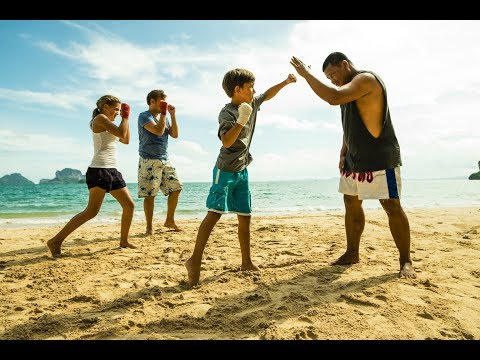 How to Take Action Photos with Thai Boxing Lesson on the Beach ☼ Family Travel in Thailand
