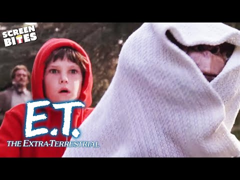E.T. The Extra-Terrestrial | Runnin' From The Law: The Bicycle Scene (ft 'Elliot', Henry Thomas)