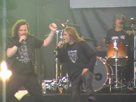 VOIVOD (FEAT ERIC FORREST) - TRIBAL CONVICTIONS (LIVE AT HELLFEST 19/6/09)