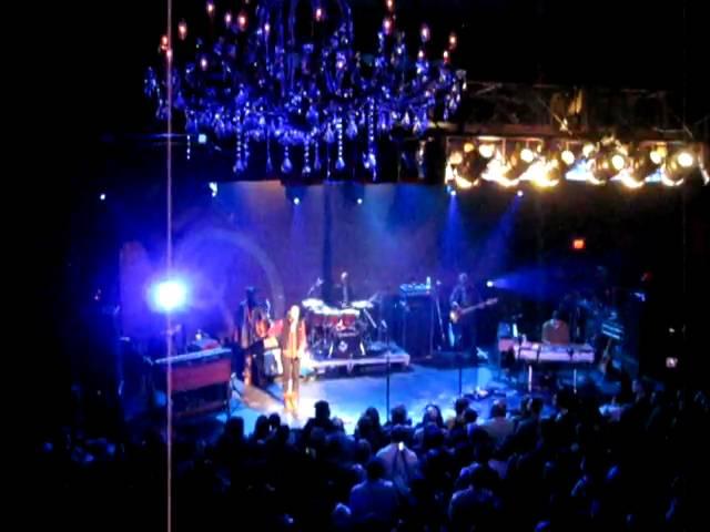 "Citizen Cope ft. Alice Smith ""107 Degrees"" (02/19/10 - Philadelphia Live Arts)"