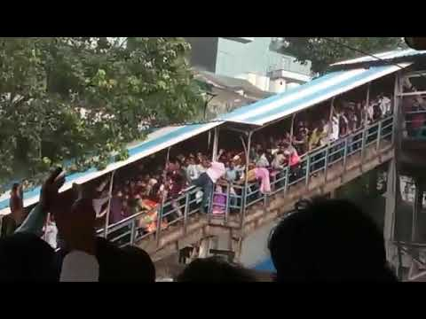 Lower parel n elphinsten bridge accident due to chaos(4)