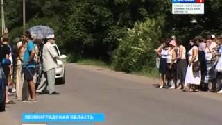 Жители посёлка Кирилловское объявили войну грузовикам (1 июля 2013 года)
