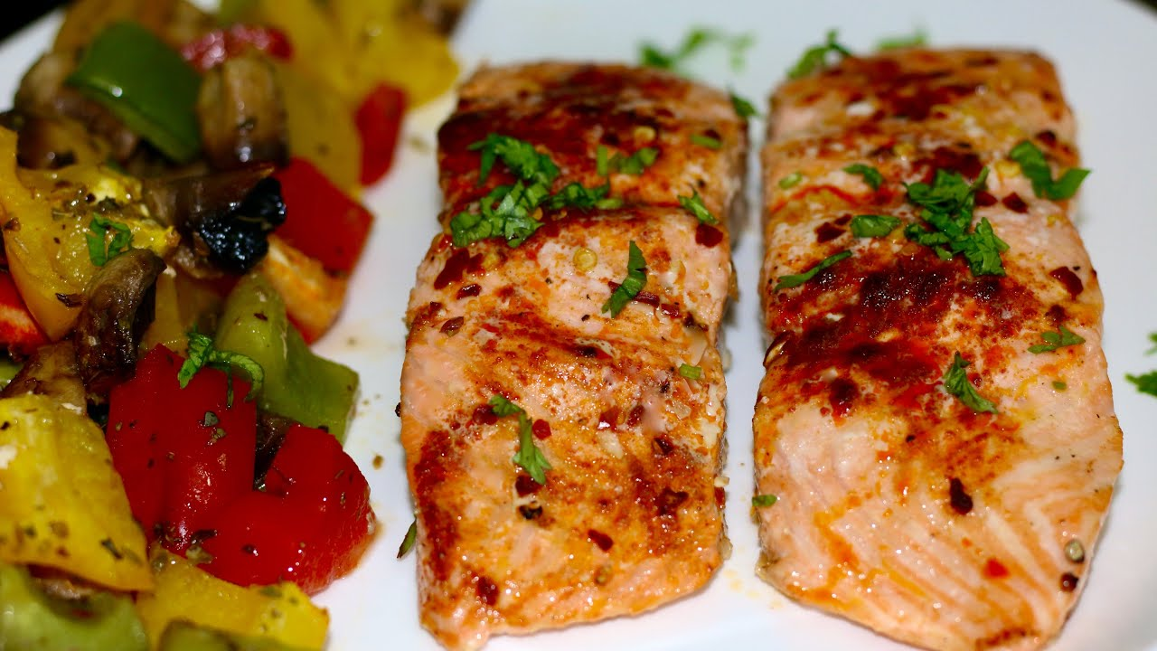 Easy Healthy Salmon Dinner Recipes |  Grilled Salmon with Bell Peppers