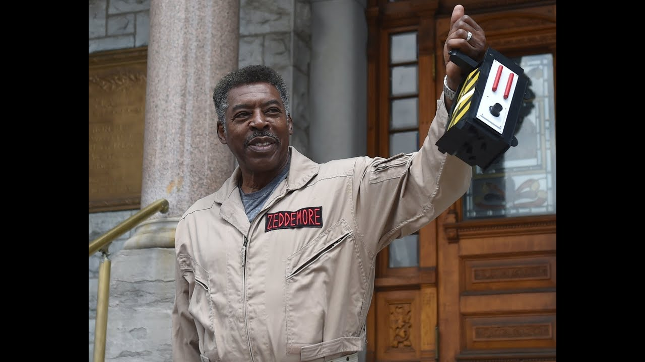 'Ghostbusters' star Ernie Hudson catches Slimer at Syracuse City Hall