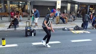 Dançarino Surpreende nas ruas e conquista publico| Maykon Replay| Dj Snake