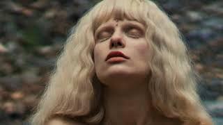 Танцовщица и модель с уникальной внешностью – Лиса альбинос – Каталог артистов