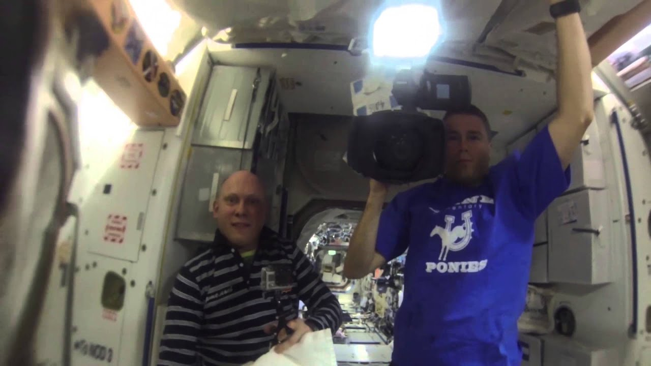 Space Station Astronauts Grow a Water Bubble in Space ...