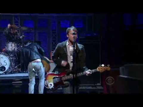 Johnny Marr & The Cribs - We Share The Same Skies [Live On David Letterman]