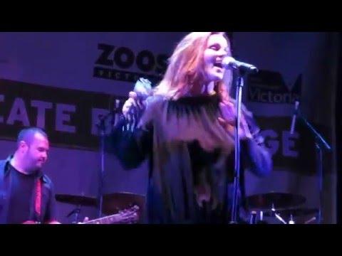 Belinda Carlisle - I Get Weak - Live at Melbourne Zoo 12 March 16
