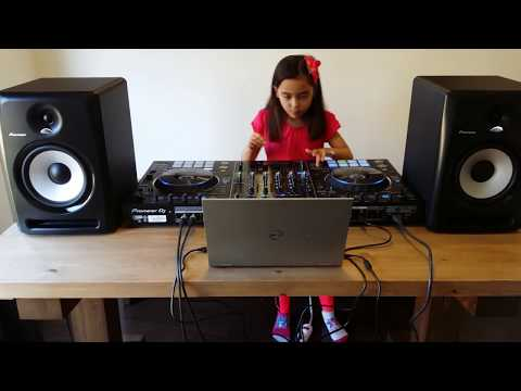 My First Trial of My DJ Controller Pioneer DDJRZ