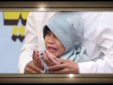 Anak Tahfidz 'sujud syukur' ketika mendapatkan hadiah haji ke baitullah.