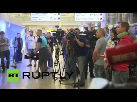 Russia: Tourists touch down in Moscow as Aeroflot begins evacuations from Turkey
