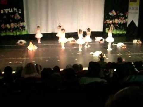 Irmak 'ın bale gösterisi (İkizim Anaokulu)